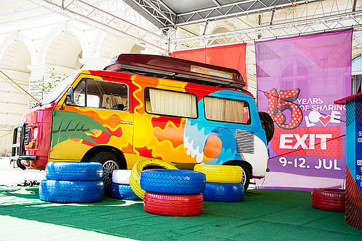 Newnow Photography By Vera Cepic - Colorful retro minivan of EXIT festival 2015 in city center of N