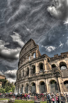 Colosseum 2 by Miguel Pardo