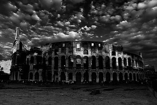 Colosseum by Simone Pompei