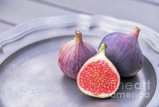Sophie McAulay - Colourful ripe figs