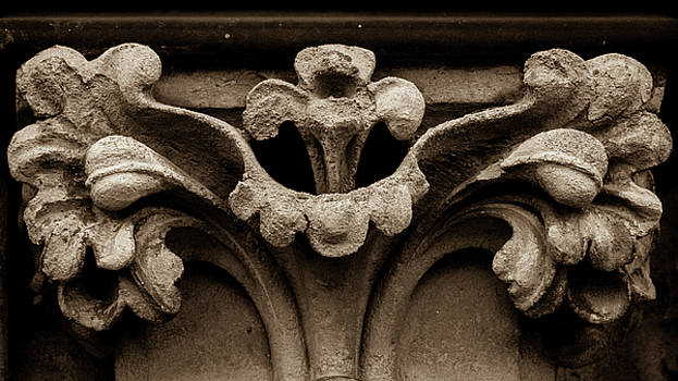 Jacek Wojnarowski - Column Capital C West Facade of Wells Cathedral