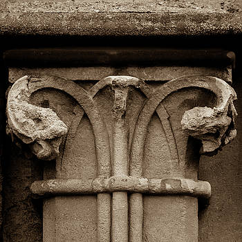 Jacek Wojnarowski - Column Capital E West Facade of Wells Cathedral