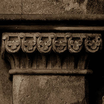 Jacek Wojnarowski - Column Capital M West Facade of Wells Cathedral