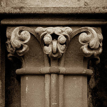 Jacek Wojnarowski - Column Capital N West Facade of Wells Cathedral