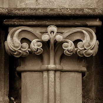 Jacek Wojnarowski - Column Capital P West Facade of Wells Cathedral