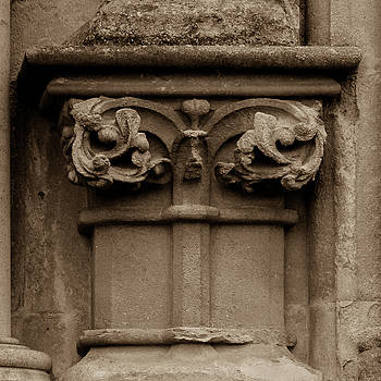 Jacek Wojnarowski - Column Capital U West Facade of Wells Cathedral