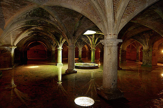 Reimar Gaertner - Columns and reflected skylight in underground Portuguese cistern