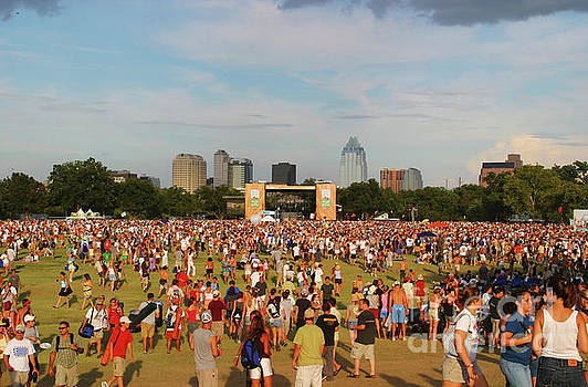 Herronstock Prints - Concert goers gather at the main stage at the Austin City Limits Music Festival