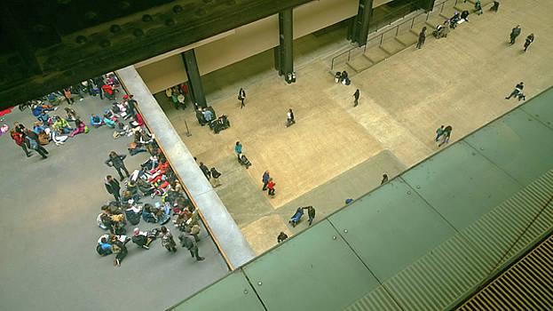 Concourse Tate Modern by Anne Kotan