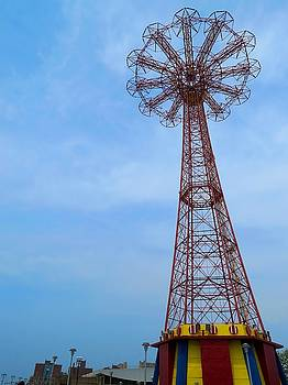 Coney Island Parachute Jump 04 by Jonathan Sabin