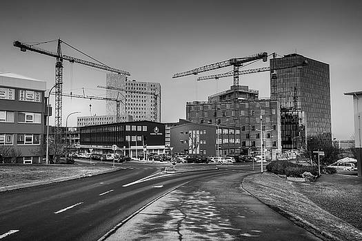 Construction at business district by Fabio Gomes Freitas