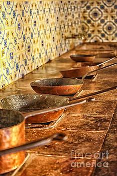 Patricia Hofmeester - Copper pans in antique kitchen