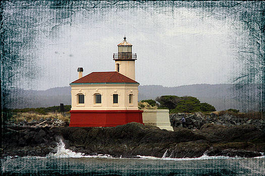 Coquille Lighthouse -B by Dianne Fawbush