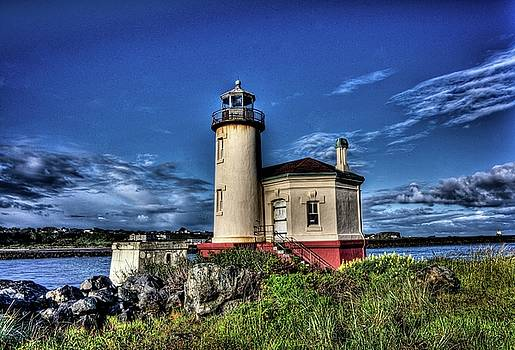Thom Zehrfeld - Coquille River Lighthouse