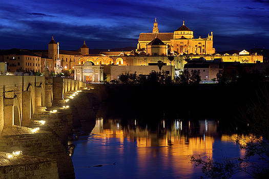 Reimar Gaertner - Cordoba Cathedral Mosque reflected in Guadalquivir River with Ro