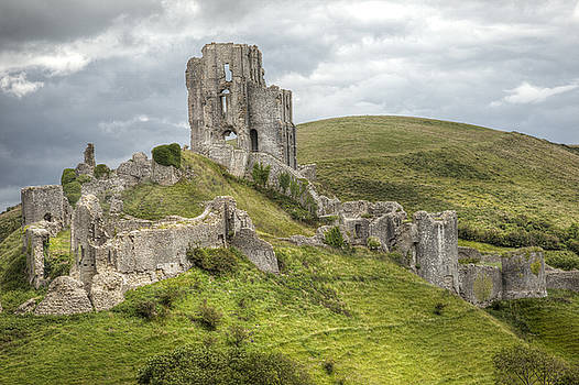 Corfe Castle by Paula Connelly