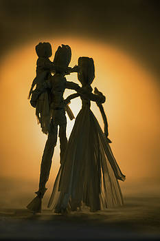 Corn Doll Family Silhouette by Elly De vries
