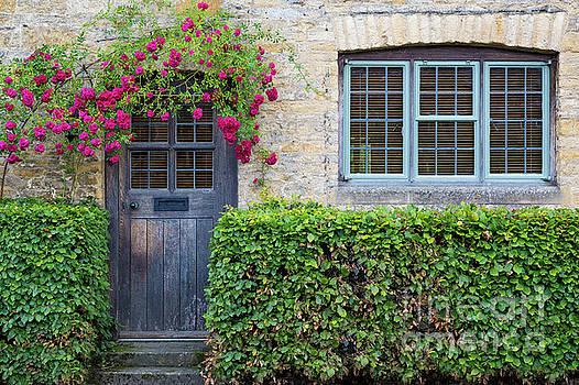 Brian Jannsen - Cotswolds Cottage Home