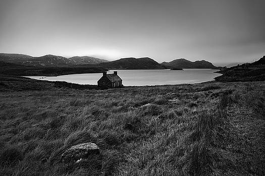 Cottage at Loch Stack by Derek Beattie