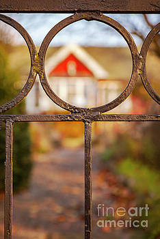 Sophie McAulay - Cottage metal fence