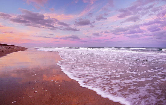 Cotton Candy Sunset. by Evelyn Garcia