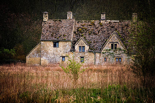 Country Retreat by Paul Warburton