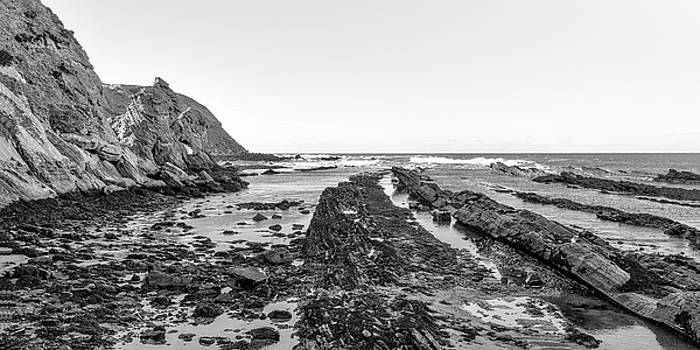Jeremy Lavender Photography - Cove Harbour in Scotland
