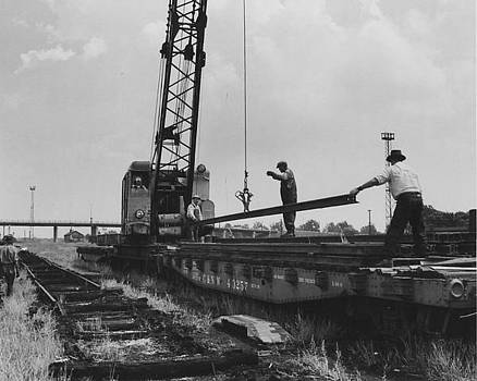 Chicago and North Western Historical Society - Crane at Work in Middle Yard