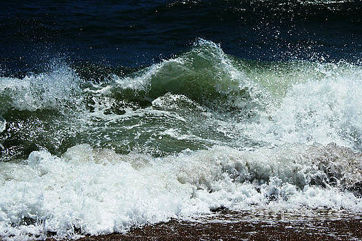 Crashing Waves by Sallie Anderson