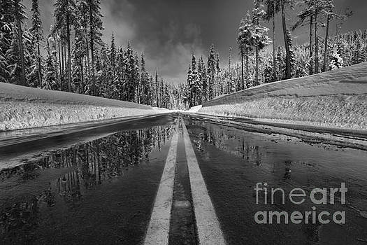 Adam Jewell - Crater Lake Entrance Road - Black And White