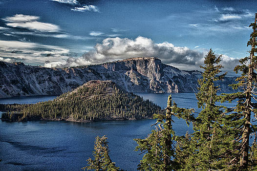Crater Lake View by Bill Johnson