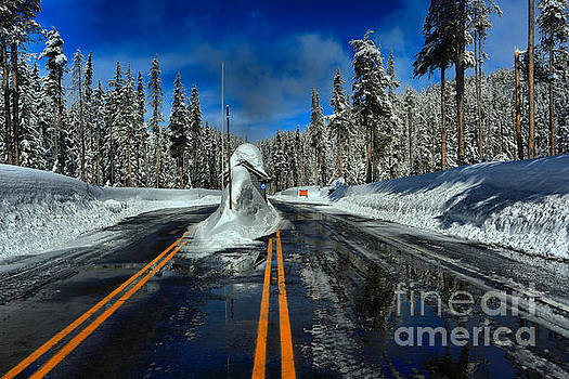 Adam Jewell - Crater Lake Winter Entrance Gate