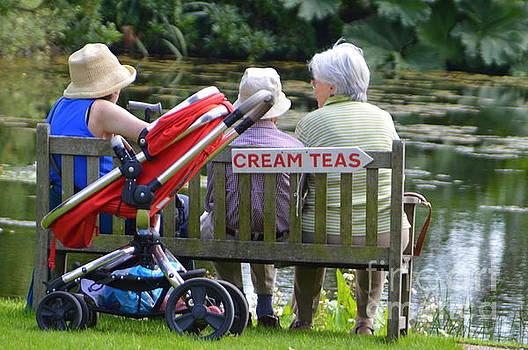 Cream Teas by Andy Thompson