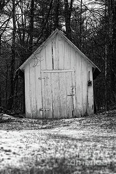 Edward Fielding - Creepy Old Shed in the Cemetary