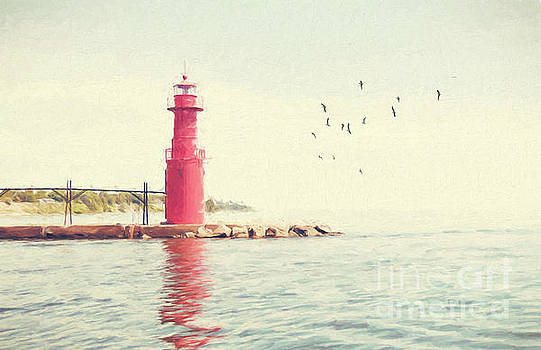 Crescent Beach Lighthouse by Pam  Holdsworth
