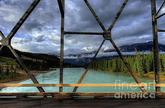 Wayne Moran - Crossing the Athabasca Jasper National Park