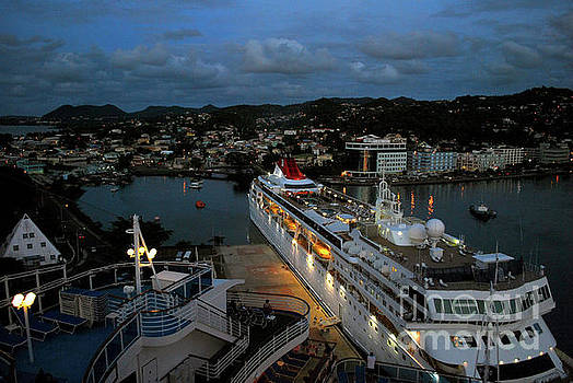 Gary Wonning - Cruise ship at Antigua