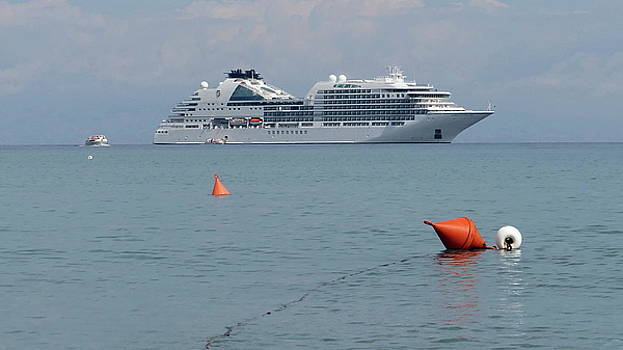 Cruising the Med by Peter Skelton