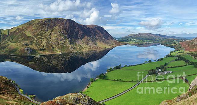Crummock Water, Lake District by David Bleeker