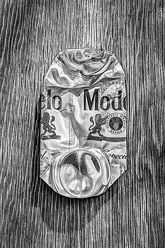 Crushed Beer Can Especial on Plywood 82 in BW by YoPedro