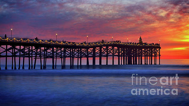 Crystal Pier in Pacific Beach decorated with Christmas lights by Sam Antonio Photography