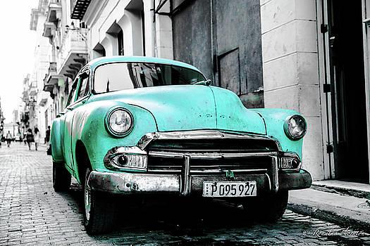 Cuba-car-bw by Ron Thornton