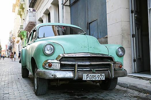 Cuba Car by Ron Thornton