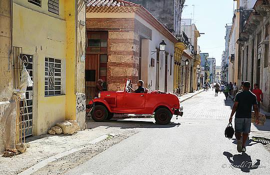 Cuba Street Photography by Ron Thornton