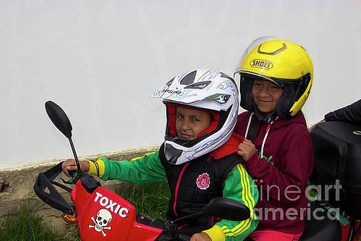 Cuenca Kids 889 by Al Bourassa