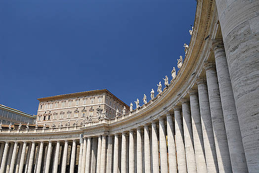 Reimar Gaertner - Curve of colonnade in St Peters Square
