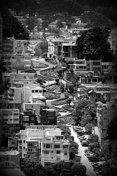 Danielle Groenen - Curvy Lombard Street