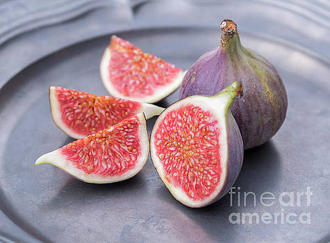 Sophie McAulay - Cut fresh figs