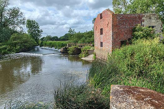 Cut Mill Sturminster Newton - England by Joana Kruse