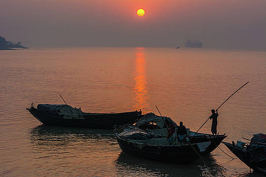 Daily life of boatman by RC Pics